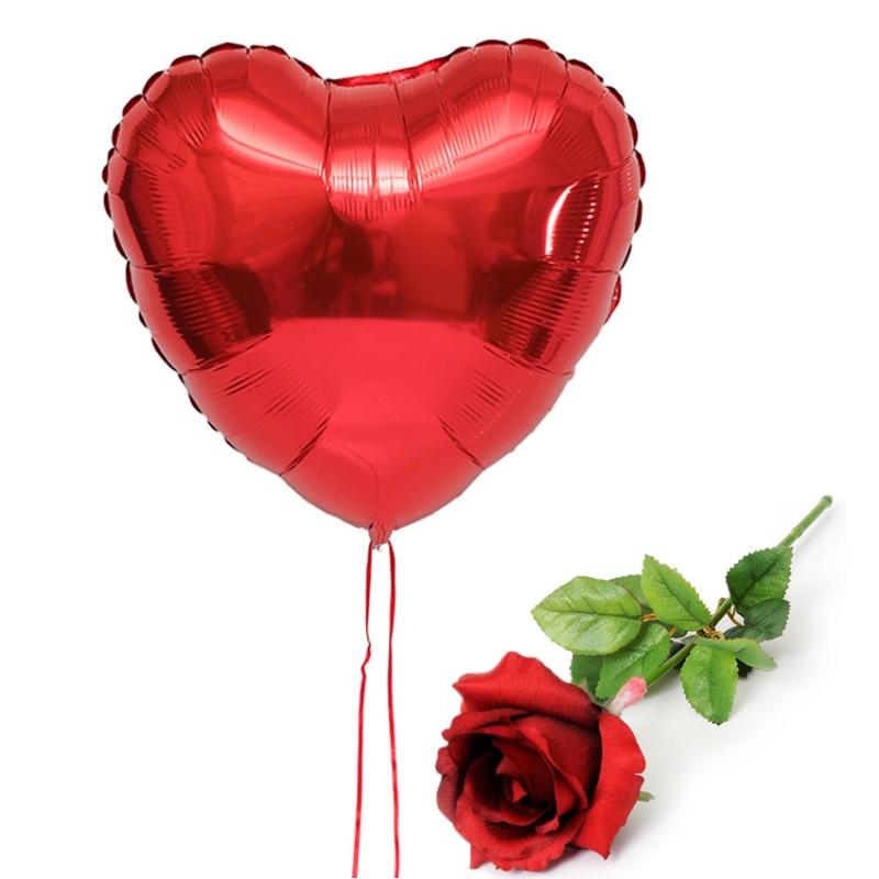 Coeurs Rouges Et Or Sur Fond Brillant Texturé Rouge